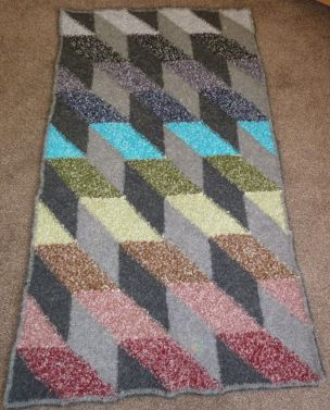 Boucle Triangles Throw